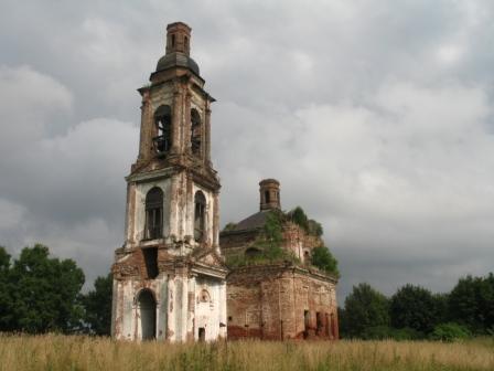 Заброшеная церковь в селе Спасское.