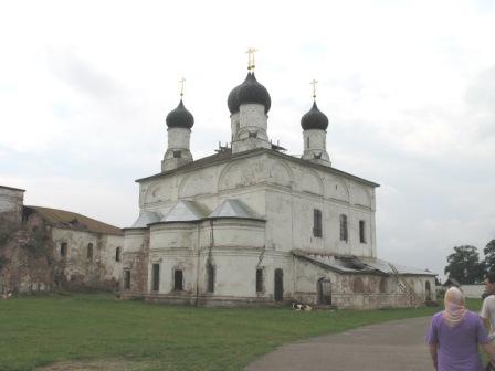 Макарьево-Унженский монастырь. Троицкая пятиглавая церковь.